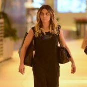 Com pouca maquiagem, Giovanna Antonelli faz passeio à vontade em shopping