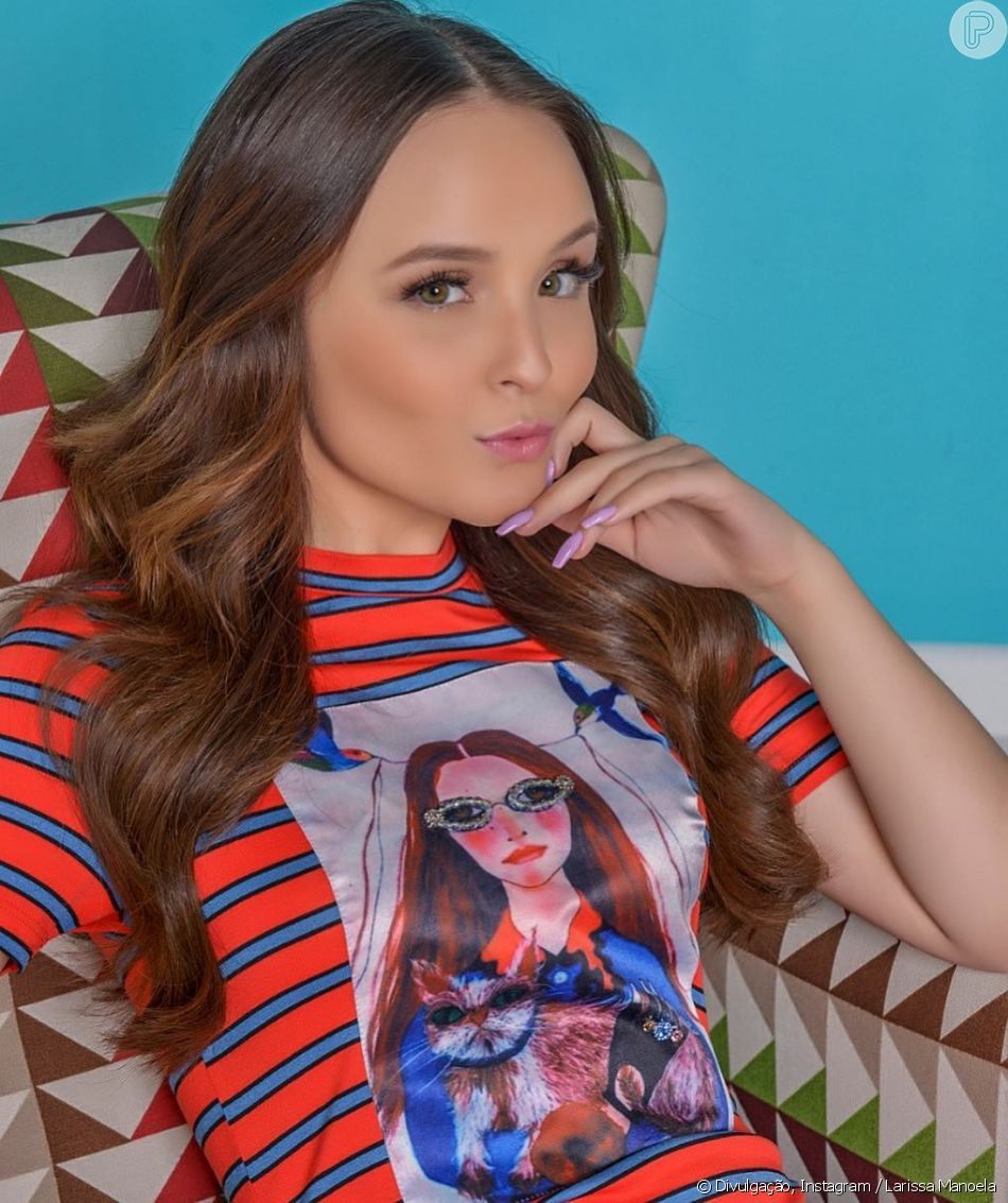 Em novembro, Larissa Manoela assinou contrato com a Netflix - Purepeople bff99834ef