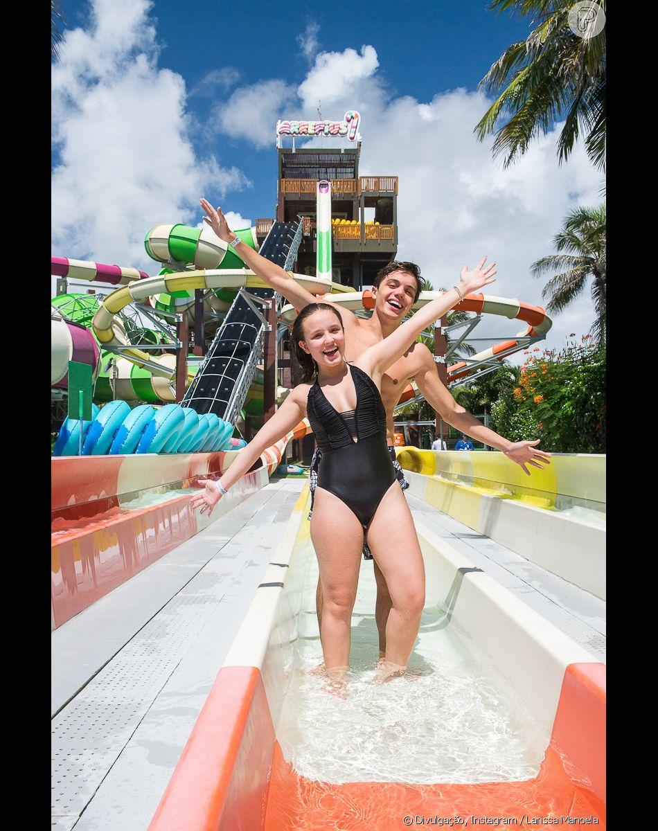 Em março, Larissa Manoela curtiu pela primeira vez o Beach Park com  Leonardo Cidade 248bfb0686