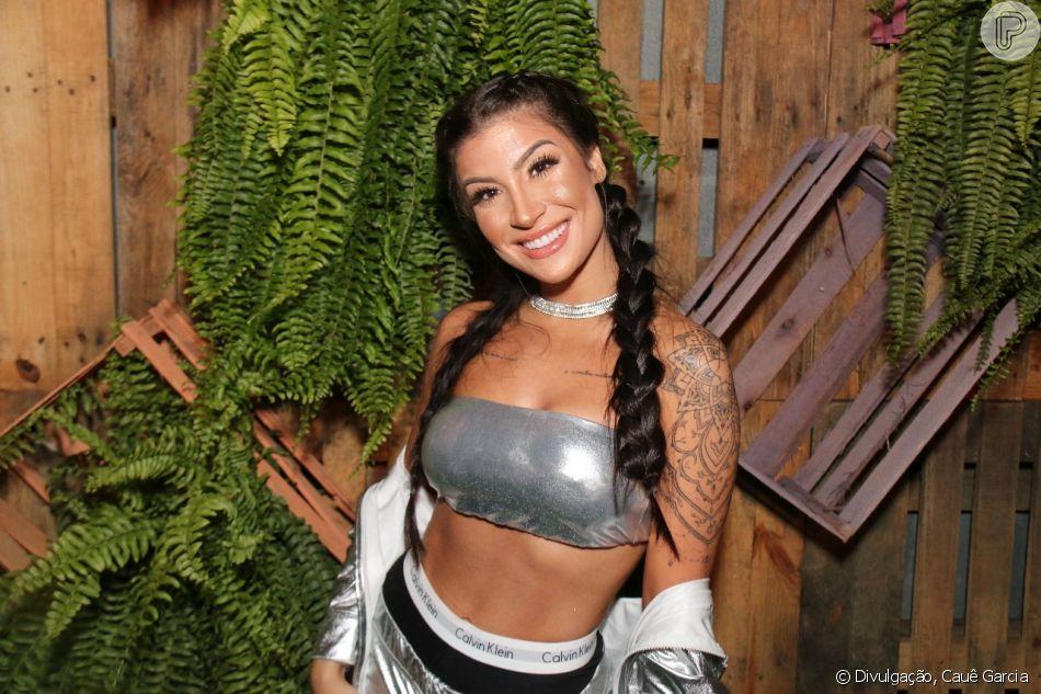 Bianca Andrade mostra cabelo crespo após tirar tranças boxer
