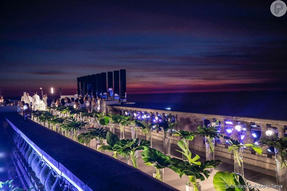 DJ Alok e Romana Novais viajaram de lua de mel para as Maldivas nesta quarta-feira, 16 de janeiro de 2018