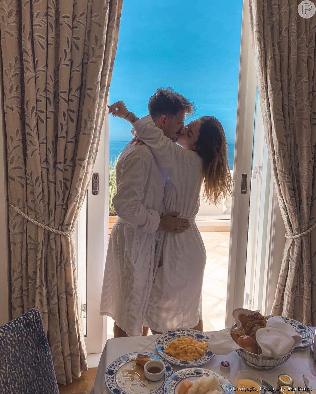 5aaba5948 Gabi Brandt antecipou lua de mel com Saulo Poncio por gravidez ...