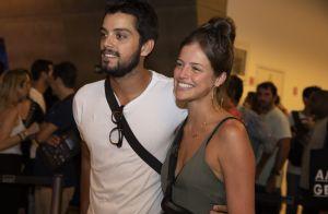Agatha Moreira curte musical com Rodrigo Simas e comenta namoro: 'Felizes'