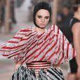 Peças com detalhes enormes foram apresentadas na coleção de Dior na Semana de Alta-Costura de Paris