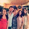 Sophie Charlotte e Daniel de Oliveira posam com fãs durante o Festival Gastronômico Zé Maria