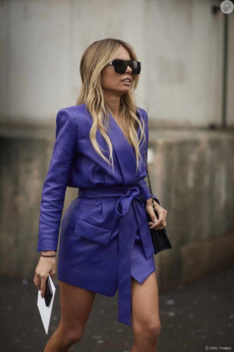 eb16ef91d Tendências da Moda de Rua da Paris Fashion Week  blazer fazendo o papel de  vestido