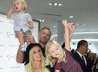 Jessica Simpson lança coleção de roupas ao lado dos filhos e do marido