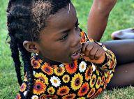 Ewbank explica foto da Títi com grama na boca: 'Fingiu que não tinha caído'