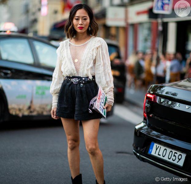 Short com pegada retrô + blusa romântica
