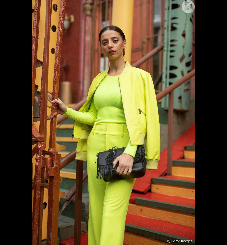 Looks direto de Nova York: todas as peças em neon