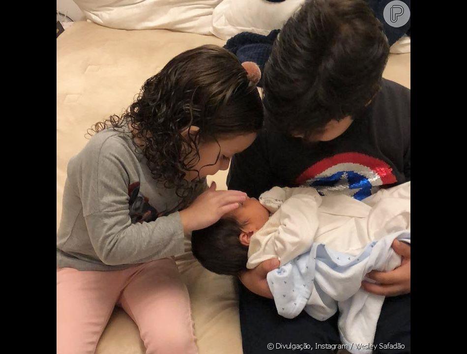 Filhos de Wesley Safadão apareceram em momento de carinho em vídeo feito por cantor