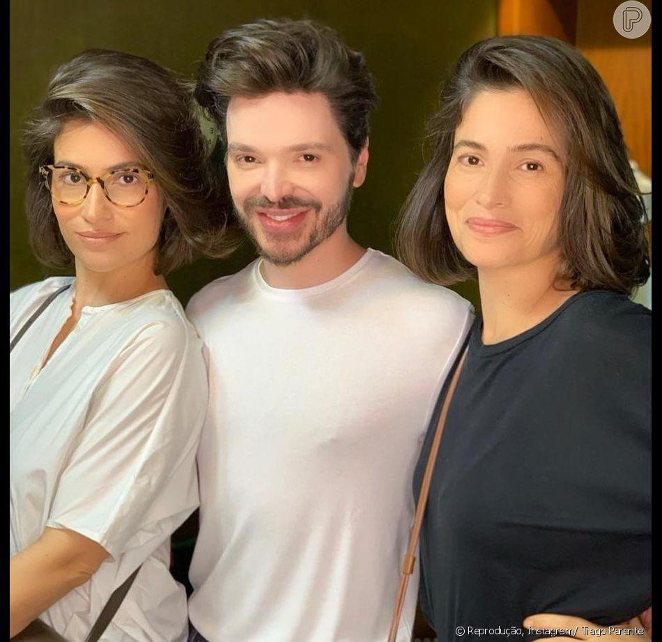 Renata Vasconcellos e sua irmã gêmea, Lanza Mazza, renovaram o visual na terça-feira, 12 de fevereiro de 2019, com o hairstylist Tiago Parente. O estilo de corte escolhido foi o bob haircut, corte que anda fazendo a cabeça das famosas