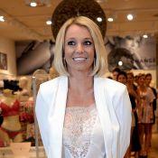 Britney Spears surge com novo visual em lançamento de coleção de lingerie