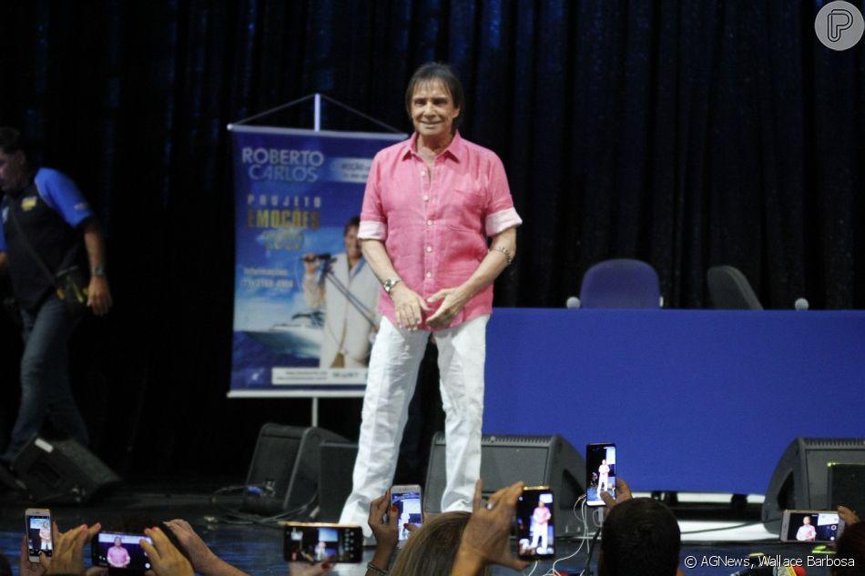 Roberto Carlos participa de coletiva de imprensa do Projeto Emoções em Alto Mar, no Rio de Janeiro