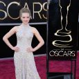 Amanda Seyfried cantou com o elenco de 'Os Miseráveis' na 85ª edição do Oscar, em 2013. A atriz apostou em um vestido bordado da grife Alexander McQueen.