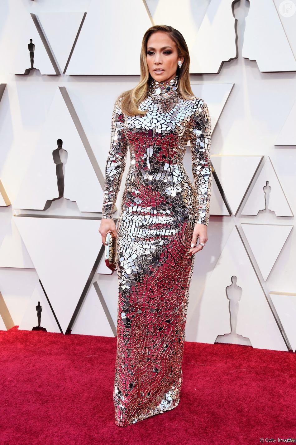 931981303 O vestido ultraprateado que Jennifer Lopez usou no Oscar 2019 é da grife  Tom Ford