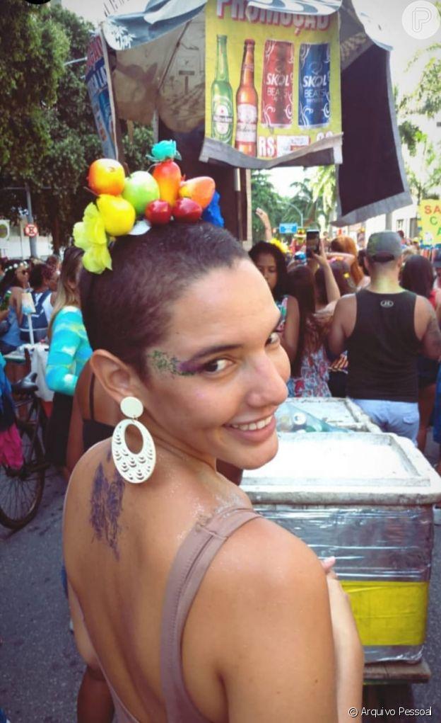 Jade Brito raspou o cabelo e se considera mais feminina com o novo corte
