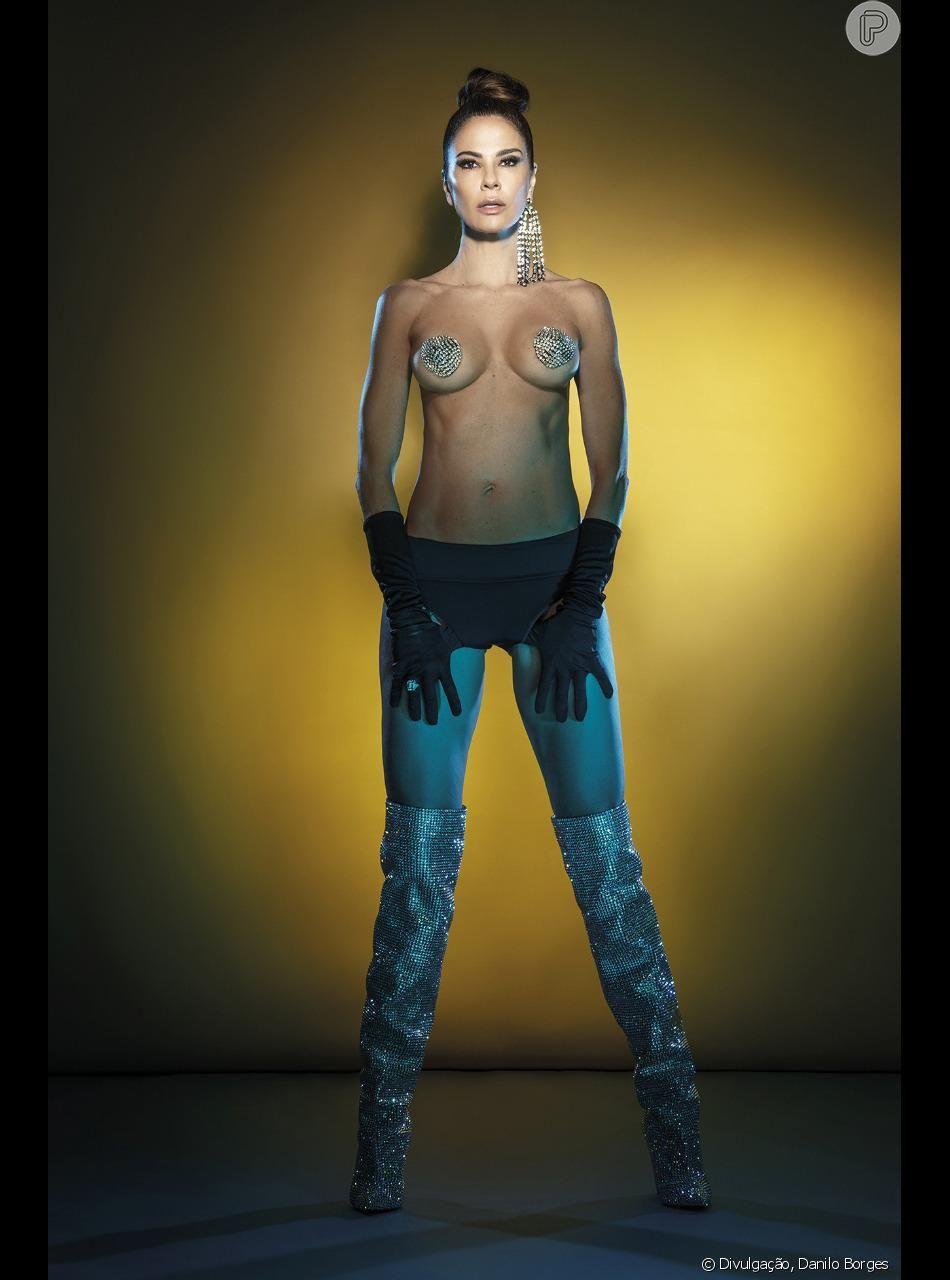 Ana Paula Leme tapa seio de luciana gimenez em ensaio para a vogue com
