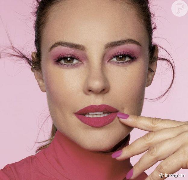 Paolla Oliveira em look all pink: Olhos, bochechas, boca e unhas deu um visual bem girlie à produção