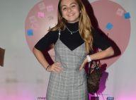 Básica fashion! Klara Castanho usa macacão xadrez, tênis preto e bolsa de grife