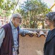 Sóstenes (Marcos Caruso) e Murilo (Eduardo Moscovis) vão ao salão de Neide (Viviane Araujo) falar com ela no capítulo de terça-feira, 26 de março de 2019 da novela 'O Sétimo Guardião'