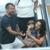 Malvino Salvador curte domingo em família com passeio em shopping