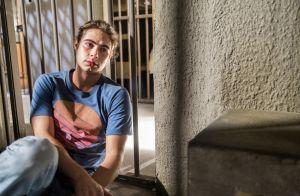 'Verão 90': João e Diego são presos após serem acusados injustamente de roubo