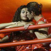 Desfile das Campeãs do Carnaval 2013: veja os famosos que beijaram na folia