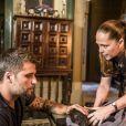 Sem suspeitas, Judith (Isabela Garcia) é assassina na novela 'O Sétimo Guardião'