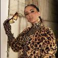 Luvas no look é trend e Anitta apostou no acessório em seus clipes do projeto Kisses