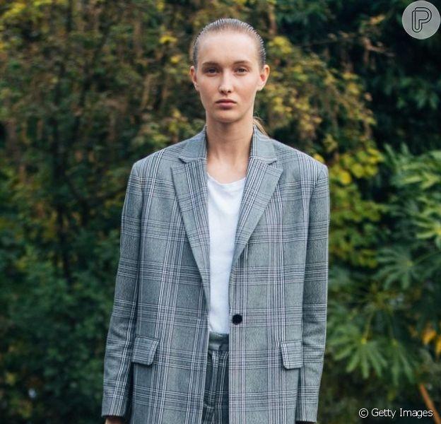O blazer é uma peça essencial de inverno, que vai bem nos looks de trabalho e nos looks de street wear