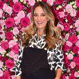Ticiane Pinheiro exibe barriga de grávida em look com macacão trend