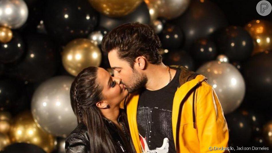 Maiara e Fernando Zor dividiram com os fãs o pedido de namoro feito pelo sertanejo nesta segunda-feira, dia 06 de maio de 2019