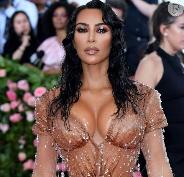 Veja o look completo de Kim Kardashian no baile de gala no MET