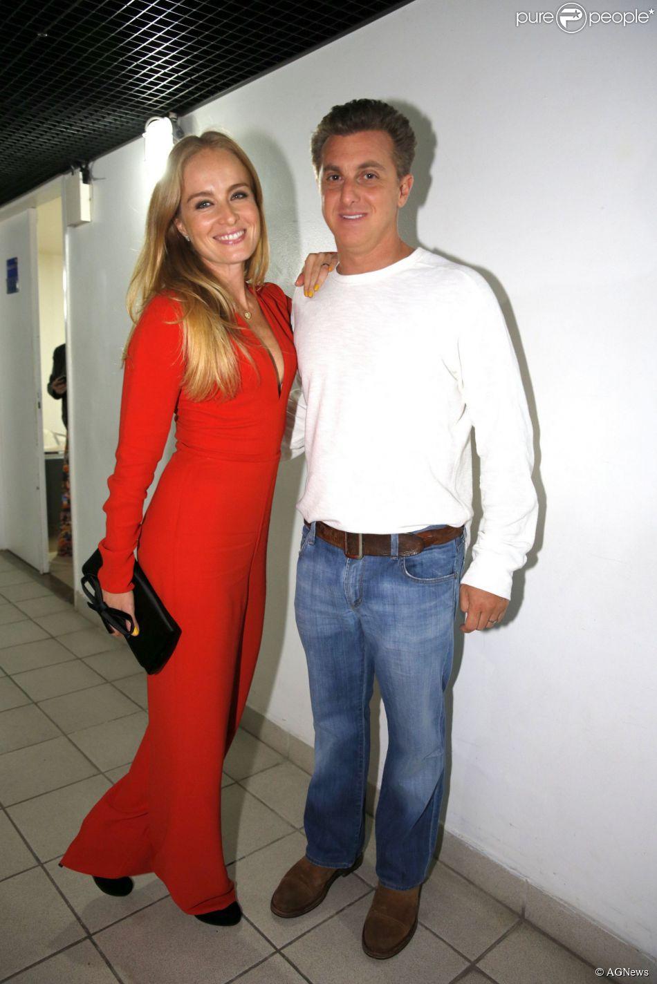 Luciano Huck revela no 'Mais Você' que não vai renovar votos de casamento com Angélia em festa. A comemoração estava prevista para acontecer em outubro de 2014