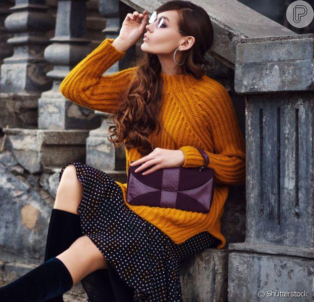 Saiba como atualizar seus looks de inverno com o tricô e deixar o visual mais estiloso. A consultora de estilo Mariana Brito dá dicas de como combinar a peça