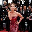 O vestido tomara que caia vermelho que Marina Ruy Barbosa usou no Festival de Cannes é da grife Etro