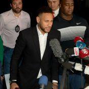 Neymar deixa delegacia após depoimento de 3h: 'Verdade aparece cedo ou tarde'