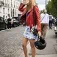 Comprimentos míni de volta à moda: a minissaia jeans é um curinga no guarda-roupa
