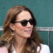 Kate Middleton usa vestido chemisier para aparição surpresa em Wimbledon