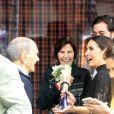 Fátima Bernardes recebeu flores do pai