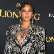 Beyoncé brilha com vestido de smoking de cristal ao estrear 'O Rei Leão'. Fotos!