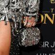 Beyoncé usou clutch bodada em cristal by Alexander McQueen