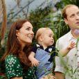 Príncipe George sempre teve como parte de sua rotina programas ao ar livre com os pais