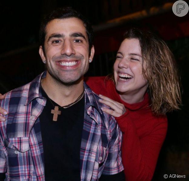 Alice Wegmann se divertiu com Kaysar Dadour em festa julina da novela 'Órfãos da Terra', em restaurante de Curicica, Zona Oeste do Rio, nesta quinta-feira, 11 de julho de 2019