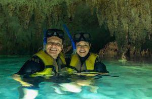 Thais Fersoza e Michel Teló ganham elogios em foto de beijo na água: 'Lindos'