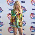 Taylor Swift elegeu um conjuntinho de grife bem colorido para a premiação do  Teen Choice Awards neste domingo, dia 11 de agosto de 2019