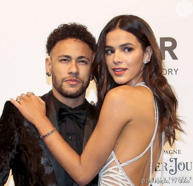 Fim de namoro de Bruna Marquezine e Neymar é citado em 'Bom Sucesso' nos próximos capítulos