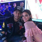 Ivan Moré posta foto com Bruna Marquezine, marca Neymar e jogador curte:'Brumar'