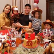 Safadão e Thyane Dantas vestem Dom de minicavalo em festa temática de 11 meses